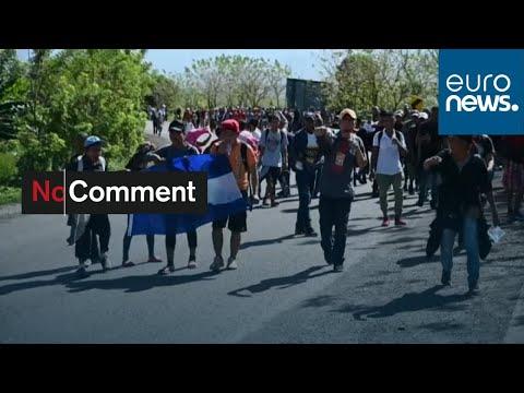 شاهد: مئات المهاجرين من هندوراس يتوجهون نحو الحدود مع غواتيمالا…  - 06:58-2020 / 1 / 17