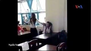 Việt Nam rúng động vụ học sinh phang ghế vào đầu bạn