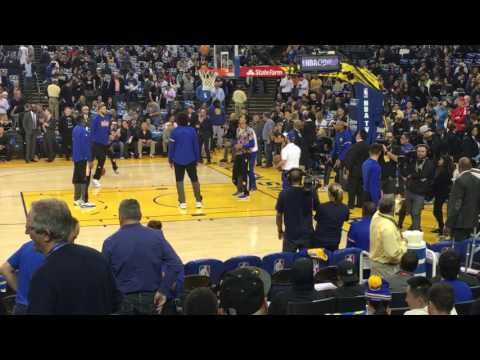 Stephen Curry playing around with Ian Clark on 12.15.16