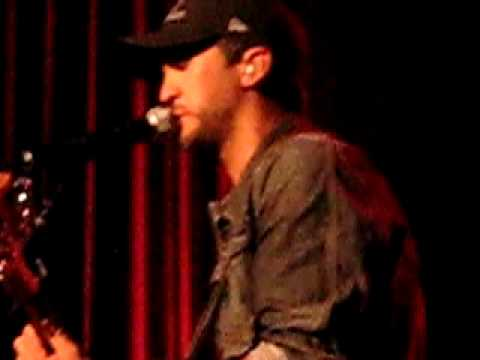 Benny - Country Music News: Thursday August 22nd