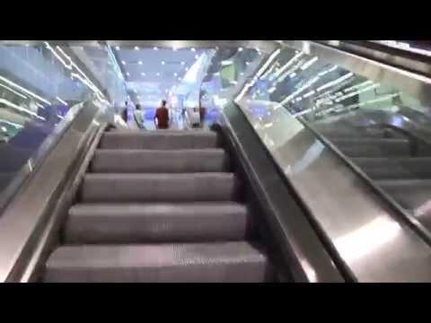 Wien Hbf / Vienna main station: Walking from underground U1 to train platform