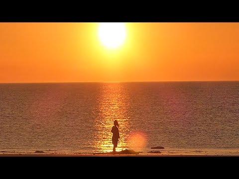 Beach Golden Sunrise, Golden Sunrise Vacation On Beach, Sunrise On Golden Beach