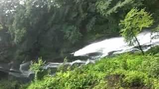 華厳の滝の動画です。涼を感じていただければ幸いです。 thumbnail