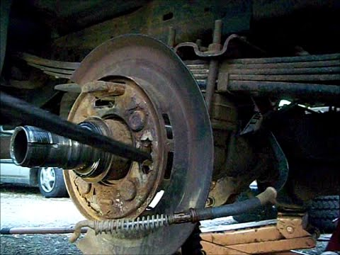 Ford F250 Super Duty 04 Pt 1 Back Brake Plate And Shoes Inspection Removal