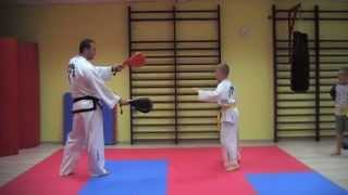 KIDS TRAINING TAEKWONDO - fantastic spinning kicks and excercises