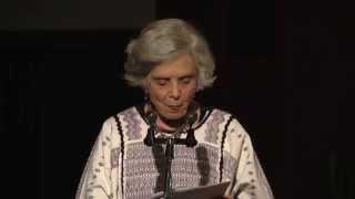 Elena Poniatowska recibe Medalla Bellas Artes 2013.