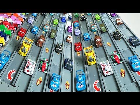 NEW Disney Cars 3 Race Track Jackson Storm Racing Set Lightning McQueen - Гонки Тачки 3