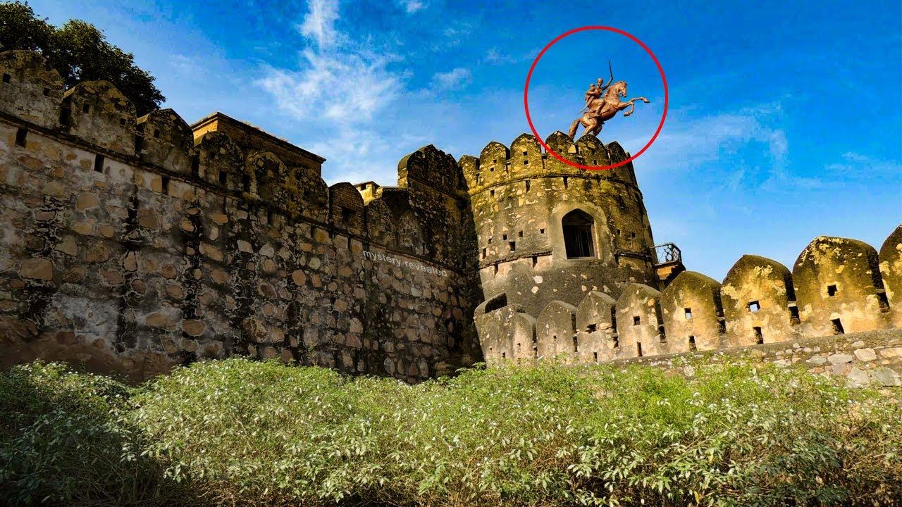 Download क्यों झांसी की रानी अपने बेटे दामोदर राव को लेकर इतनी उचाई से कूदी थी ? ज़रा इस घटना को भी जान लीजिये