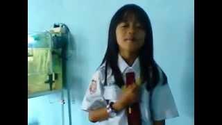 Download Video Selatpanjang,Riau (Siswi SD) MP3 3GP MP4