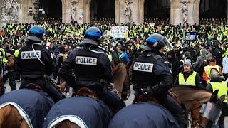 Протесты во Франции продолжились, несмотря на уступки Макрона