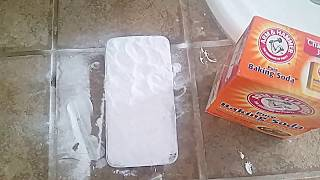 Can Toothpaste + Baking Soda Fix A Cracked Phone Screen?