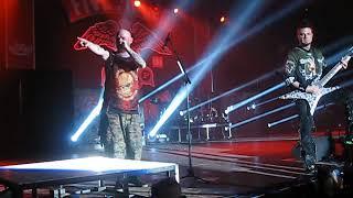 Five Finger Death Punch - The Bleeding (Live)
