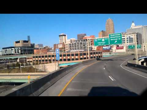 Interstate 75 North as we roll into downtown Cincinnati, Ohio from Kentucky
