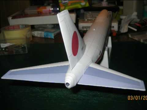 Papercraft Boeing 747-400 (japanese government) paper model 1:144