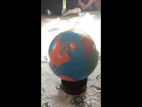 "Grand Blanc Montessori sings ""peace around the world"""