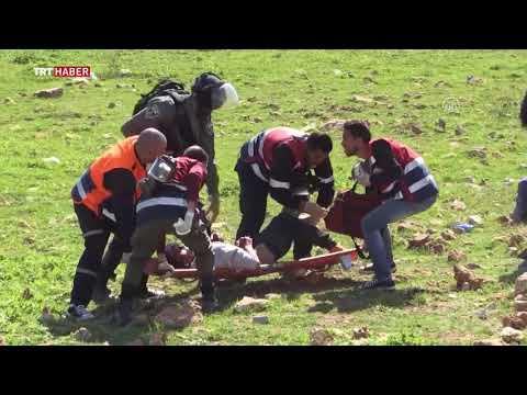 İsrail askerleri, Filistinli üniversite öğrencileri ve sağlık ekiplerini gerçek mermiyle yaraladı.