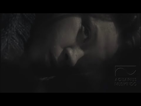 Melly - Kembalikan Senyumku | Official Video