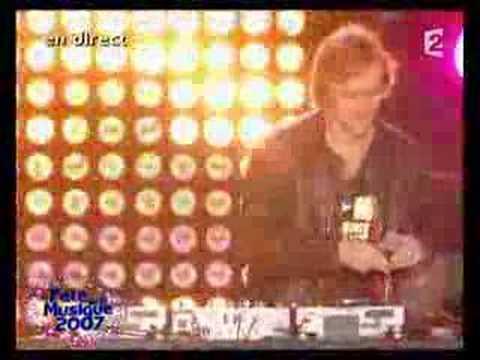 David Guetta feat Chris Willis - Love Is Gone (LIVE)