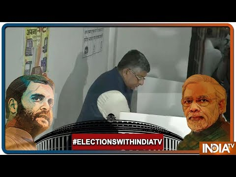 Lok Sabha Elections: Union Minister and BJP leader Ravi Shankar Prasad casts his vote in Bihar