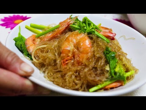 Home Cooking in Thailand: Prawns with Glass Noodles. A Recipe, a Food Market & Thai Street Food