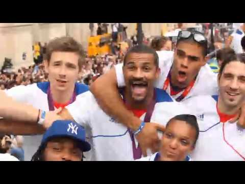 JO 2012 : retour de l'équipe de France Olympique aux Champs Elysées
