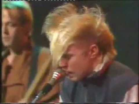 I Ran - A Flock Of Seagulls Live on The Tube 1980s