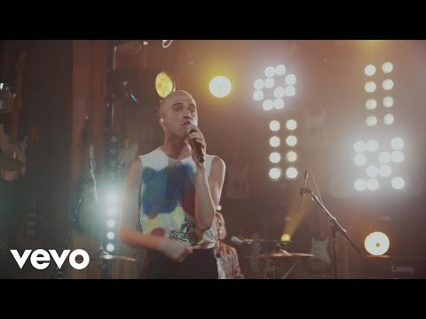 Neon Trees - Love in the 21st Century (Guitar Center Sessions on DIRECTV)