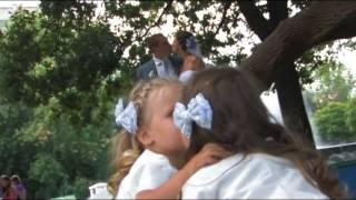 На свадьбе все целуются!