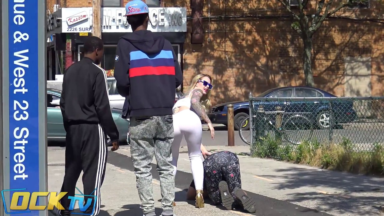 Epic Yoga Pants PRANK! (MoeAndET) - YouTube