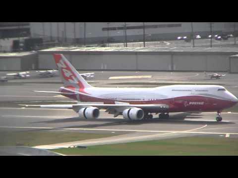 747-8 Intercontinental First Flight Landing at Boeing Field