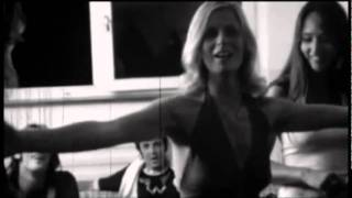 Paul McCartney & Wings - Big Barn Bed (Live Video)