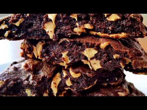 Levain Bakery Copycat Chocolate Peanut Butter Chip Cookies