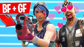 My boyfriend is teaching me how to be a Fortnite PRO!! (LIVE)