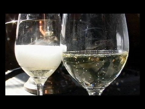 Просекко стало популярнее шампанское