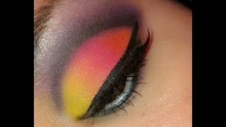 BRIGHT COLORFUL EYESHADOW Thumbnail