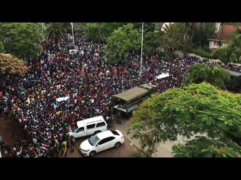 Thousands Rally Against Mugabe in Zimbabwe