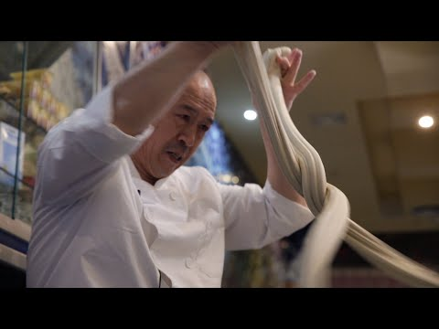 EL COMIDISTA   El espectáculo de los fideos chinos hechos a mano