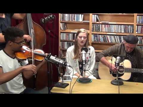 Ample Angst - Queen of Hearts - WLRN Folk Music Radio