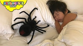 SCARY SPIDER crawling in toddler's bed - Skyheart shocked and attacked the spider toys for kids