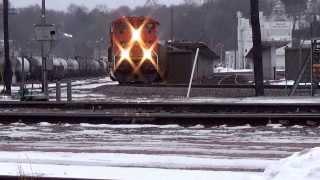 BNSF Railway empty hopper train through Burlington,Iowa