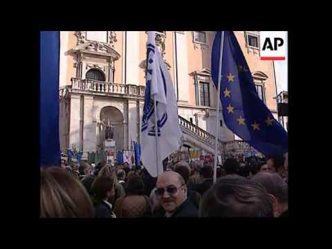 Italian mayors lead solidarity demo for people of Madrid