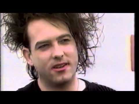 1989/08 -  The CURE arrive in America on the QE2 - MTV Interview
