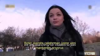 Sokakta Para Karşılığında 18 Türkçe Altyazılı