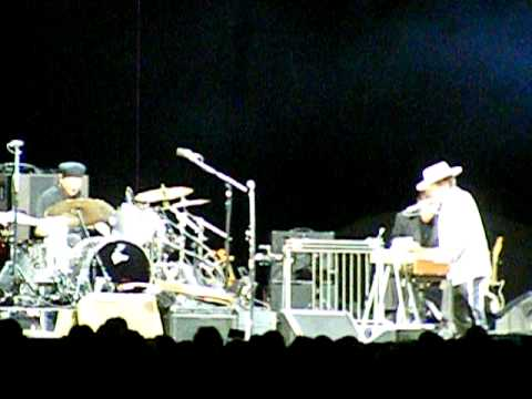 Bob Dylan & His Band -Thunder on the Mountain (Never Ending Tour 2009)