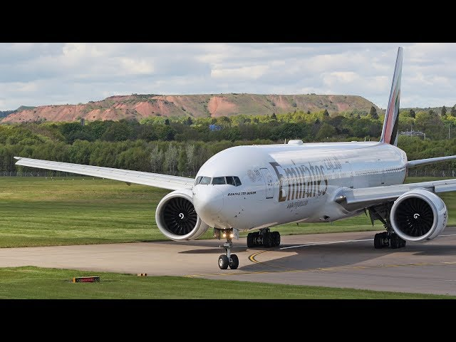 Using ALL the runway Emirates Boeing 777 landing at Edinburgh Airport