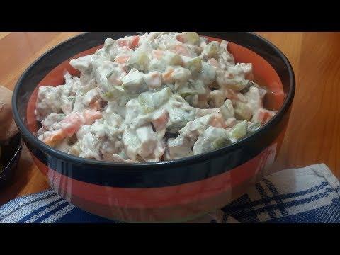 Salata de pui  cu maioneza si castraveti murati