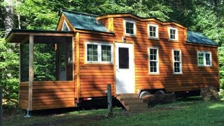 """276sf Tiny House Built For A Not-so-tiny 6'10"""" Retired Basketball Player"""