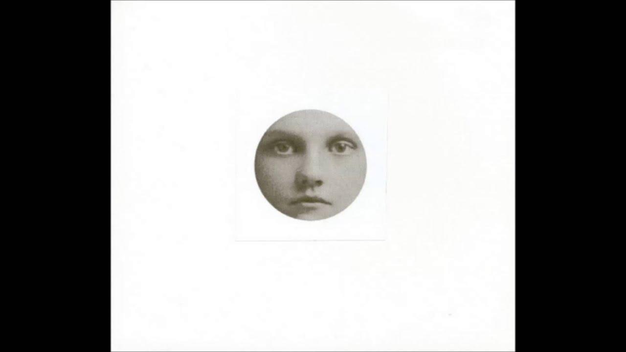 in-gowan-ring-moon-over-ocean-cassio-coelho