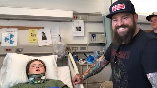 Singer Zac Brown Surprises Paralyzed Teen In Hospital