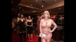 Gambar cover AVN Awards 2019 Red Carpet pt. 24 ft. Sara Jay Sunny Lane Alexa Nova Scarlet Satori Charlie Dimples